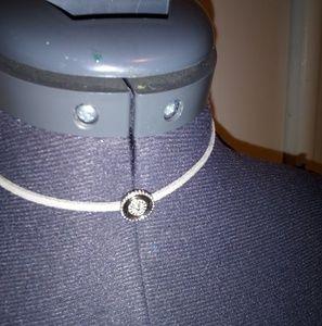 Jewelry - Silver choker necklace